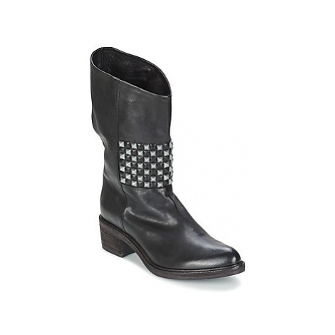 Vic COPENHAGEN women's Mid Boots in Black