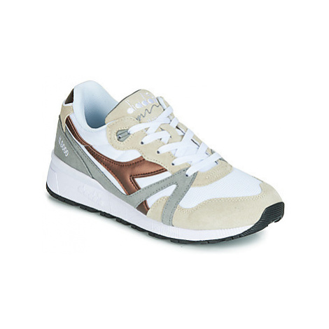 Diadora N 9000 SPARK men's Shoes (Trainers) in White