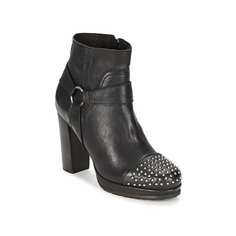 Koah BESSE women's Low Boots in Black