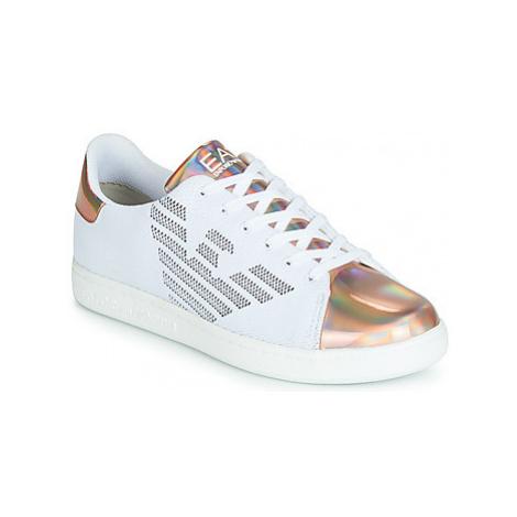 Emporio Armani EA7 CLASSICS KNIT LOW U women's Shoes (Trainers) in White