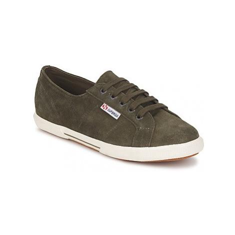 Superga 2950 women's Shoes (Trainers) in Kaki