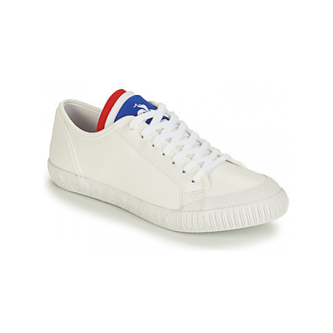 Le Coq Sportif NATIONALE women's Shoes (Trainers) in White