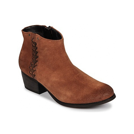 Clarks MAYPEARL women's Low Ankle Boots in Brown