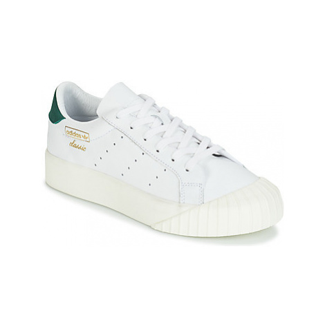 Adidas EVERYN W women's Shoes (Trainers) in White