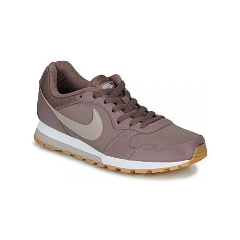 Nike MD RUNNER 2 SE W women's Shoes (Trainers) in Brown