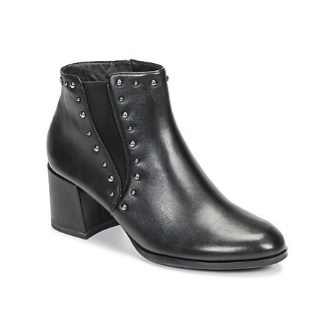 Tamaris LOUZI women's Low Ankle Boots in Black