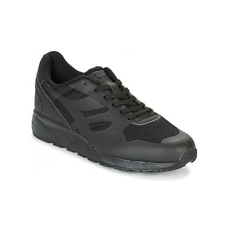 Diadora N902 MM women's Shoes (Trainers) in Black