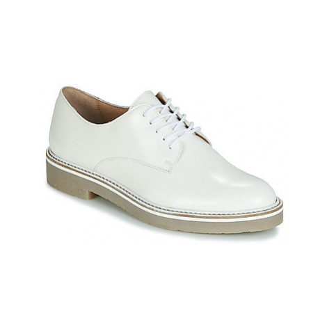 Kickers OXFORK women's Casual Shoes in White