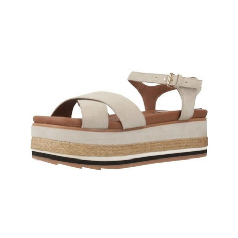 Gioseppo 48565G women's Espadrilles / Casual Shoes in Beige