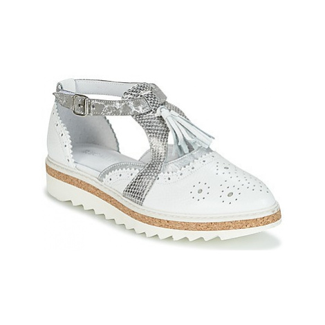 Regard RASTANU women's Casual Shoes in White
