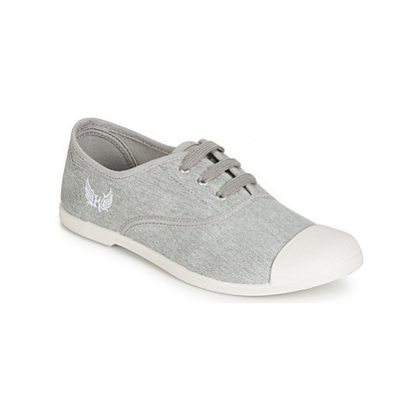 Kaporal FILY women's Shoes (Trainers) in Grey