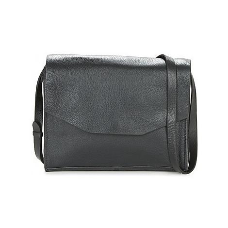 Clarks TREEN ISLAND women's Shoulder Bag in Black