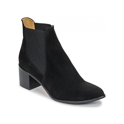 Emma Go GUNNAR women's Low Ankle Boots in Black