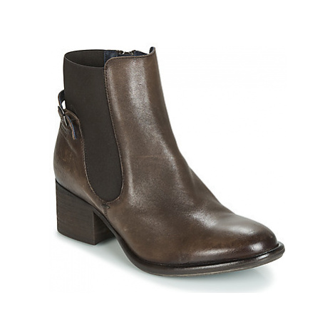 Dorking ROSER women's Low Ankle Boots in Brown