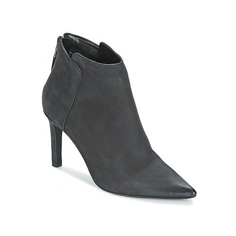 Vero Moda VMDREAM BOOT women's Low Ankle Boots in Black