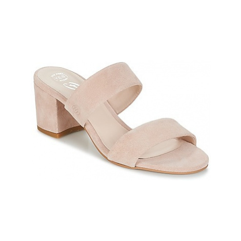 Betty London INALO women's Mules / Casual Shoes in Pink