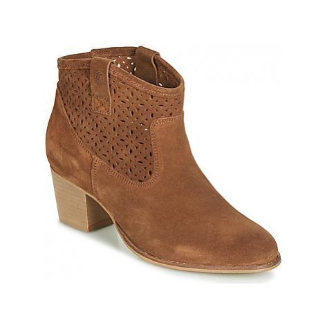 Betty London JIKOTEVE women's Low Ankle Boots in Brown
