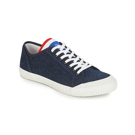 Le Coq Sportif NATIONALE men's Shoes (Trainers) in Blue