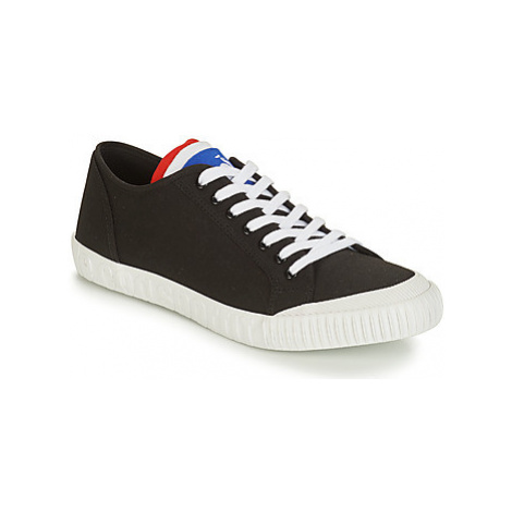 Le Coq Sportif NATIONALE women's Shoes (Trainers) in Black