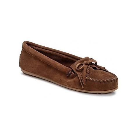 Minnetonka KILTY women's Loafers / Casual Shoes in Brown