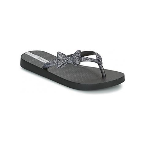 Black girls' slippers and flip-flops