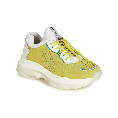 Bronx BAISLEY women's Shoes (Trainers) in Yellow