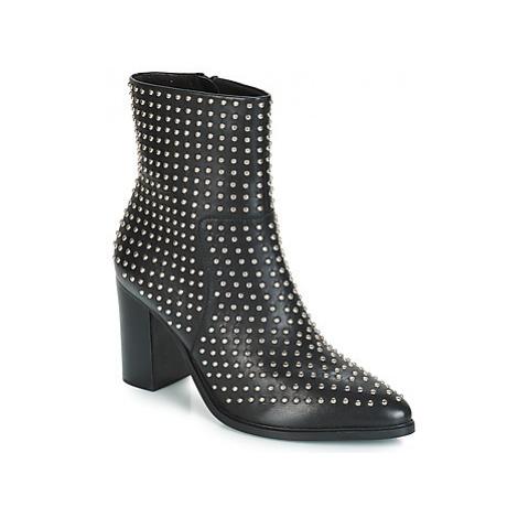 Steve Madden RADLEY women's Low Ankle Boots in Black