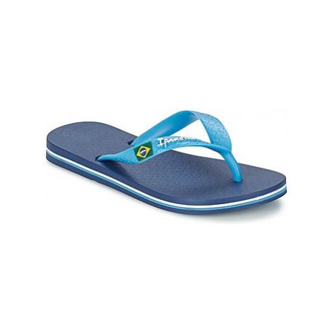 Blue girls' slippers and flip-flops