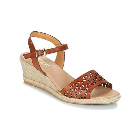 So Size - women's Sandals in Brown