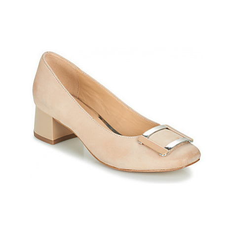 Caprice PLATINO women's Court Shoes in Beige