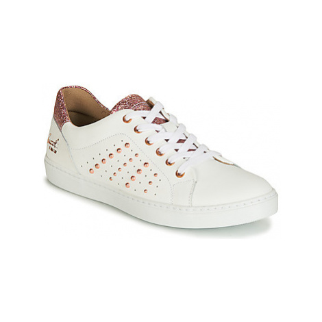 Bullboxer AGM008 girls's Children's Shoes (Trainers) in White