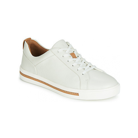 Clarks UN MAUI LACE women's Shoes (Trainers) in White