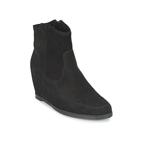 Myma PERFONOIR women's Low Ankle Boots in Black