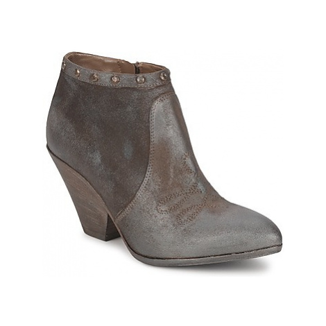 Strategia MIARO women's Low Boots in Brown