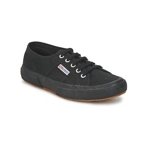 Superga 2750 COTU CLASSIC women's Shoes (Trainers) in Black