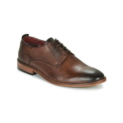 Base London SCRIPT men's Casual Shoes in Brown