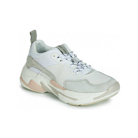 Pepe jeans SINYU SWON women's Shoes (Trainers) in White