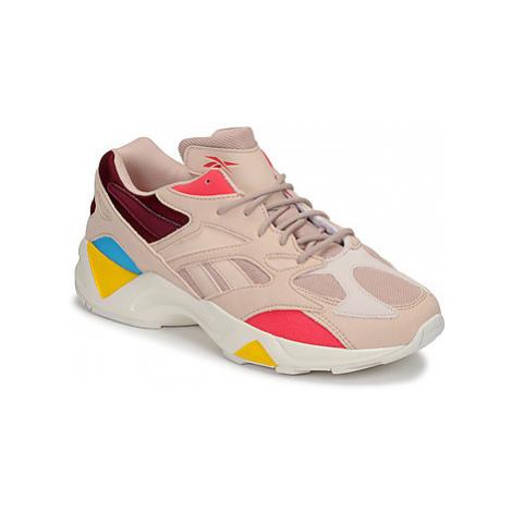 Reebok Classic AZTREK 96 women's Shoes (Trainers) in Beige