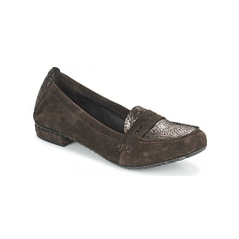 Regard REMAVO women's Loafers / Casual Shoes in Brown