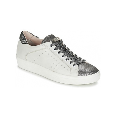 Tosca Blu DERTAL women's Shoes (Trainers) in White