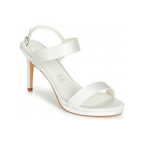 Menbur MAFATA women's Sandals in White