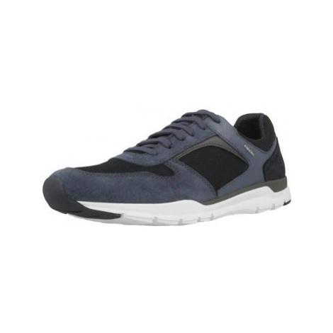 Geox U CALAR A men's Shoes (Trainers) in Blue