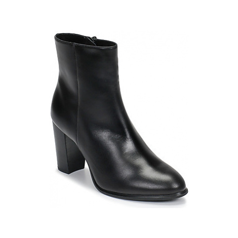 Unisa UGO women's Low Ankle Boots in Black