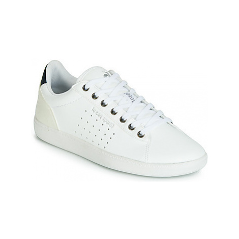 Le Coq Sportif COURTSTAR W BOUTIQUE women's Shoes (Trainers) in White