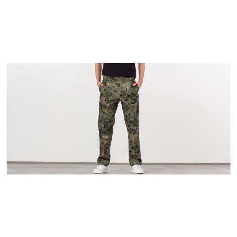 Green men's casual trousers