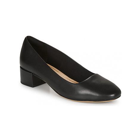 Clarks ORABELLA ALICE women's Court Shoes in Black