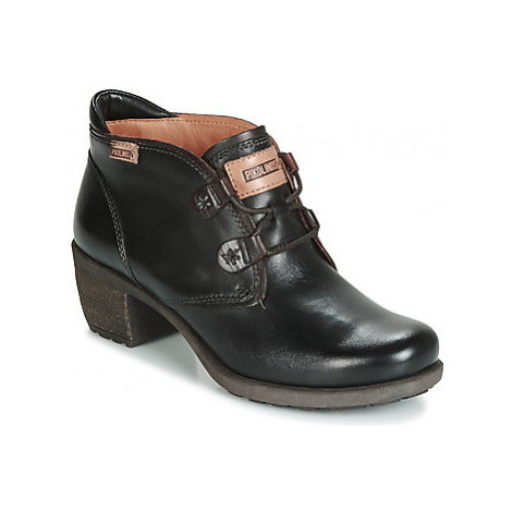 Pikolinos LE MANS 838 women's Low Ankle Boots in Black