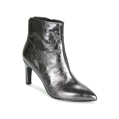 Vagabond WHITNEY women's Low Ankle Boots in Silver