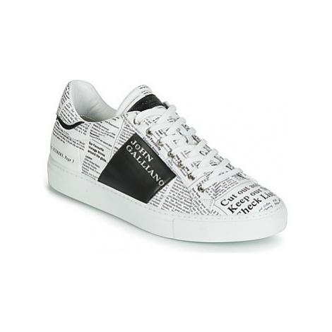 John Galliano 6744 men's Shoes (Trainers) in White