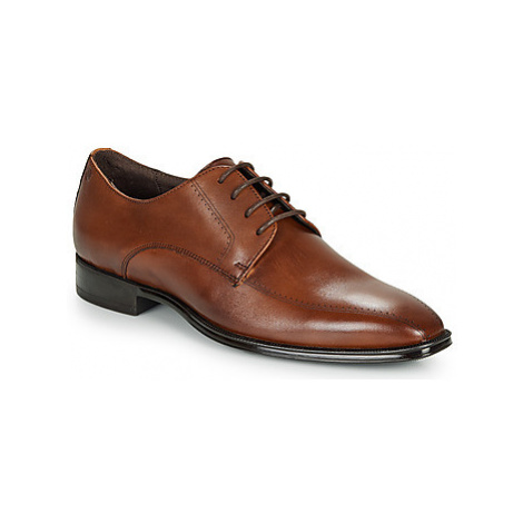 Carlington LILIAN men's Casual Shoes in Brown